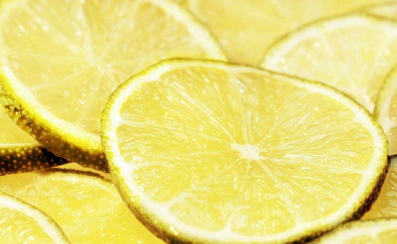 https://www.ragusanews.com//immagini_articoli/27-05-2019/dieta-limone-purificante-e-drenante-per-dimagrire-500.jpg