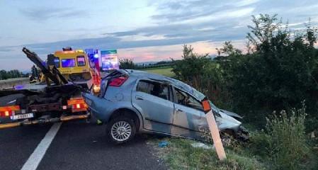 https://www.ragusanews.com//immagini_articoli/27-05-2020/incidente-sulla-comiso-pedalino-carambola-fra-tre-auto-240.jpg