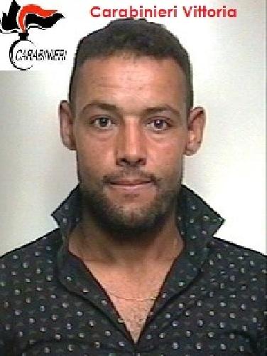 https://www.ragusanews.com//immagini_articoli/27-06-2015/rapina-arrestato-tunisino-500.jpg