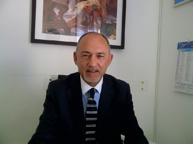 https://www.ragusanews.com//immagini_articoli/27-06-2017/rischio-posti-lavoro-guardie-giurate-tribunale-500.jpg