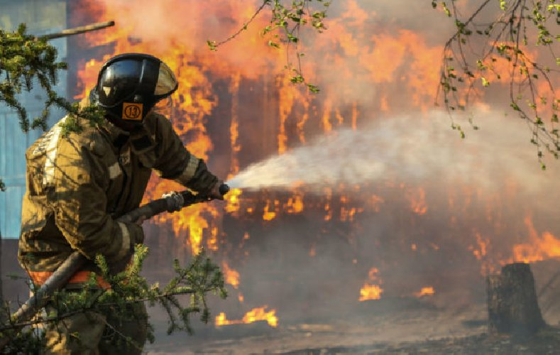 https://www.ragusanews.com//immagini_articoli/27-06-2018/agrigento-ruba-acqua-vigili-fuoco-500.jpg