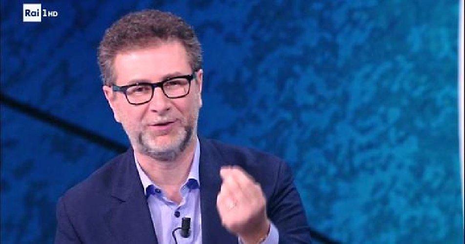 https://www.ragusanews.com//immagini_articoli/27-06-2019/vince-salvini-fabio-fazio-ha-accettato-il-taglio-suo-stipendio-500.jpg