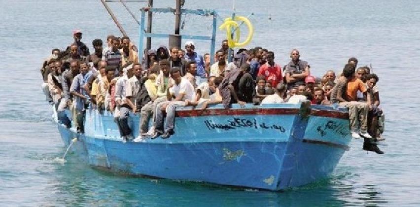 http://www.ragusanews.com//immagini_articoli/27-07-2016/pozzallo-tra-222-migranti-sbarcati--un-sudanese-morto-di-stenti-420.jpg