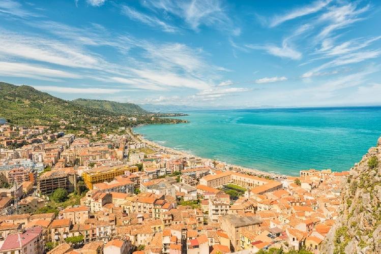 http://www.ragusanews.com//immagini_articoli/27-07-2017/club-cefal-primo-resort-tridenti-europa-500.jpg