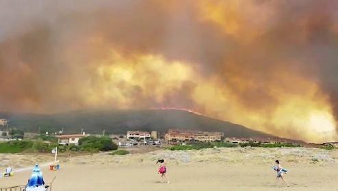 https://www.ragusanews.com//immagini_articoli/27-07-2021/sicilia-in-aiuto-della-sardegna-devastata-dai-roghi-foto-video-280.jpg
