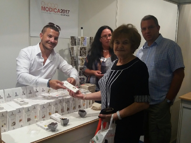 http://www.ragusanews.com//immagini_articoli/27-08-2017/cioccolato-modica-protagonista-csokolade-fesztival-ungherese-500.jpg