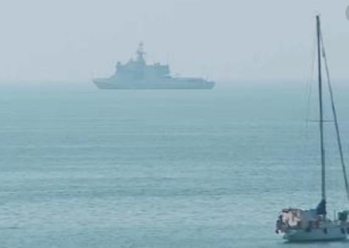 https://www.ragusanews.com//immagini_articoli/27-08-2019/pozzallo-nave-audaz-15-migranti-open-arms-500.png