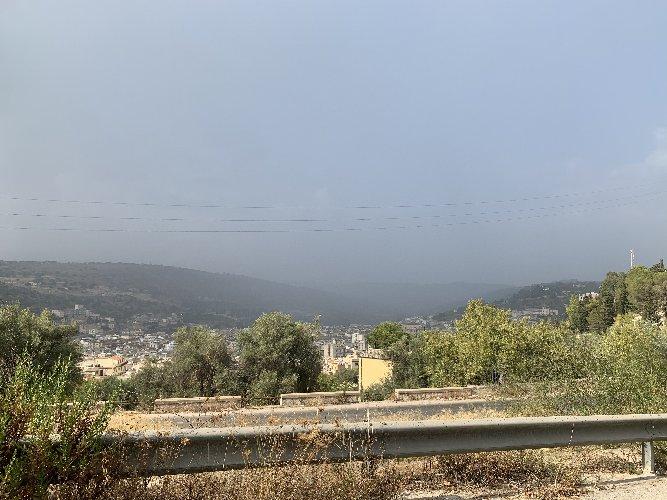 https://www.ragusanews.com//immagini_articoli/27-08-2019/scicli-sole-nebbia-pioggia-grandine-500.jpg