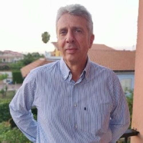 https://www.ragusanews.com//immagini_articoli/27-08-2020/carlo-staffile-il-nuovo-direttore-del-parco-archeologico-di-siracusa-500.jpg