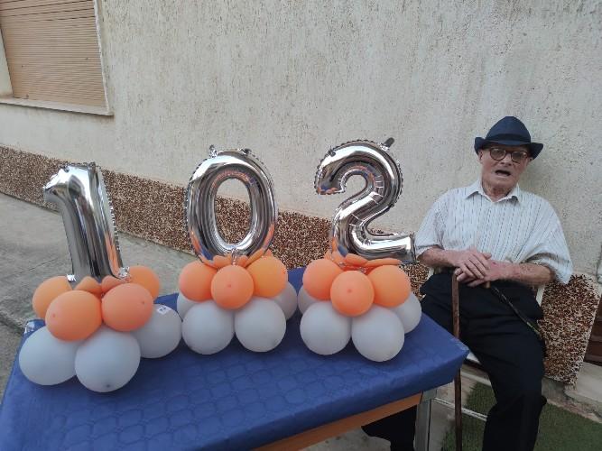 https://www.ragusanews.com//immagini_articoli/27-08-2020/vittoria-carmelo-ha-compiuto-102-anni-500.jpg