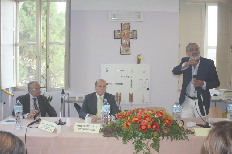 https://www.ragusanews.com//immagini_articoli/27-09-2011/scontro-fra-l-on-ragusa-e-l-assessore-russo-sul-busacca-500.jpg