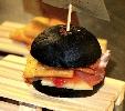 http://www.ragusanews.com//immagini_articoli/27-09-2015/il-panino-al-nero-di-seppia-100.jpg