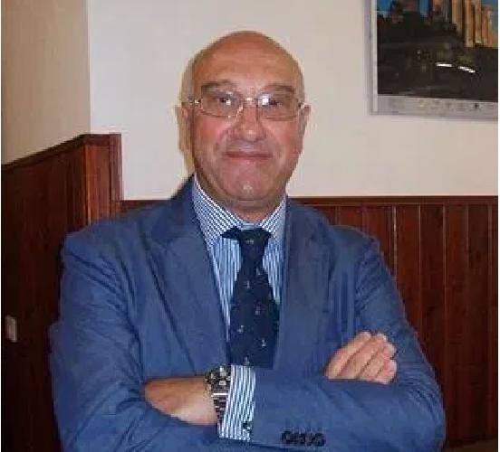 https://www.ragusanews.com//immagini_articoli/27-09-2019/il-ministro-revoca-il-capo-scuola-in-sicilia-500.png