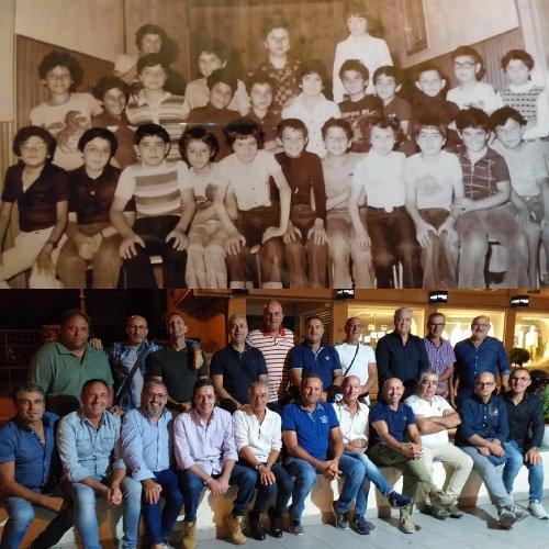 https://www.ragusanews.com//immagini_articoli/27-09-2019/la-rimpatriata-alunni-1976-foto-500.jpg