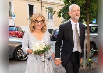 https://www.ragusanews.com//immagini_articoli/27-09-2020/nicoletta-mantovani-vedova-pavarotti-si-e-risposata-240.jpg