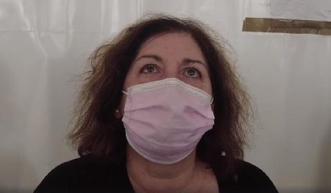 https://www.ragusanews.com//immagini_articoli/27-09-2021/convinta-a-vaccinarsi-dal-marito-no-vax-morto-di-covid-280.jpg