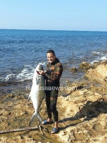 https://www.ragusanews.com//immagini_articoli/27-10-2013/ho-preso-un-pesce-di-30-chili-a-cava-daliga-500.jpg