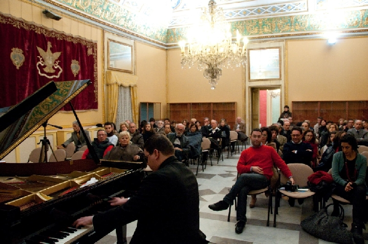 http://www.ragusanews.com//immagini_articoli/27-10-2014/il-programma-dei-concerti-a-palazzo-spadaro-500.jpg