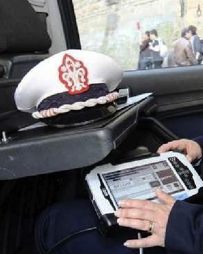 http://www.ragusanews.com//immagini_articoli/27-10-2014/pozzallo-rimosso-comandante-polizia-municipale-500.jpg