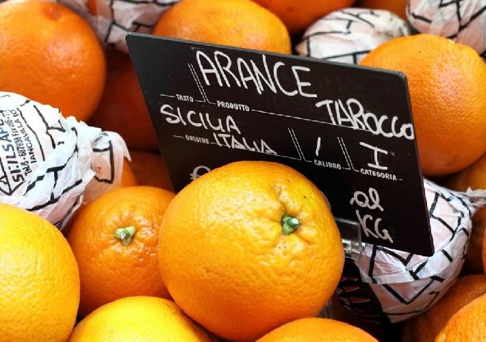 https://www.ragusanews.com//immagini_articoli/27-10-2015/mcdonald-s-sceglie-arance-siciliane-per-le-spremute-500.jpg