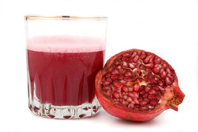 http://www.ragusanews.com//immagini_articoli/27-10-2017/autunno-dieta-succo-melograno-500.jpg