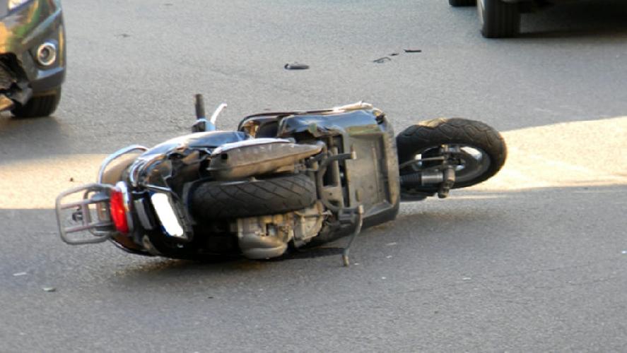 http://www.ragusanews.com//immagini_articoli/27-10-2017/ragusa-auto-scooter-grave-ragazzo-500.jpg