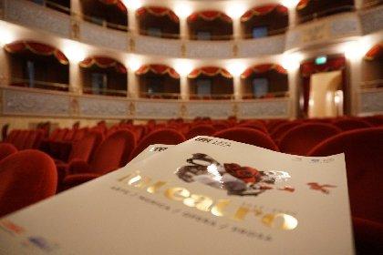 https://www.ragusanews.com//immagini_articoli/27-10-2020/teatro-garibaldi-di-modica-fa-una-stagione-tutta-digitale-sui-social-280.jpg