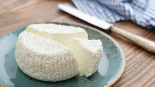 https://www.ragusanews.com//immagini_articoli/27-10-2021/formaggi-magri-a-dieta-quali-scegliere-280.jpg