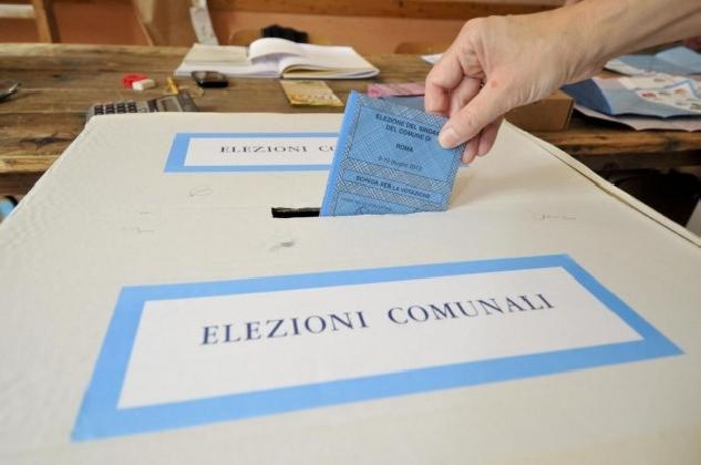 http://www.ragusanews.com//immagini_articoli/27-11-2016/a-scicli-alle-12-ha-votato-il-16-per-cento-420.jpg