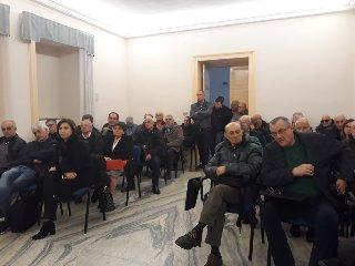 https://www.ragusanews.com//immagini_articoli/27-11-2018/azionisti-banca-agricola-ragusa-piede-guerra-240.jpg