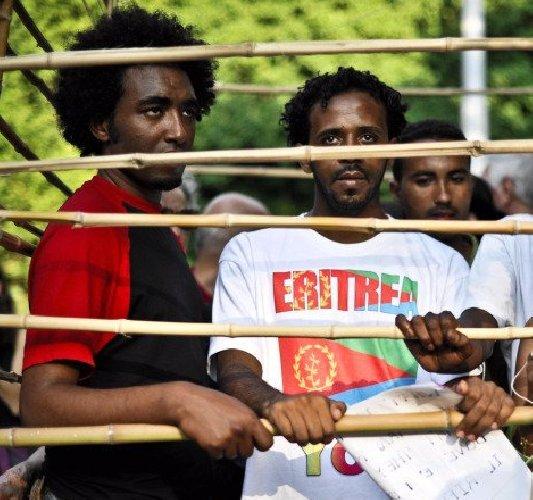 https://www.ragusanews.com//immagini_articoli/27-11-2020/migranti-l-odissea-di-un-17enne-eritreo-torture-e-quarantene-500.jpg