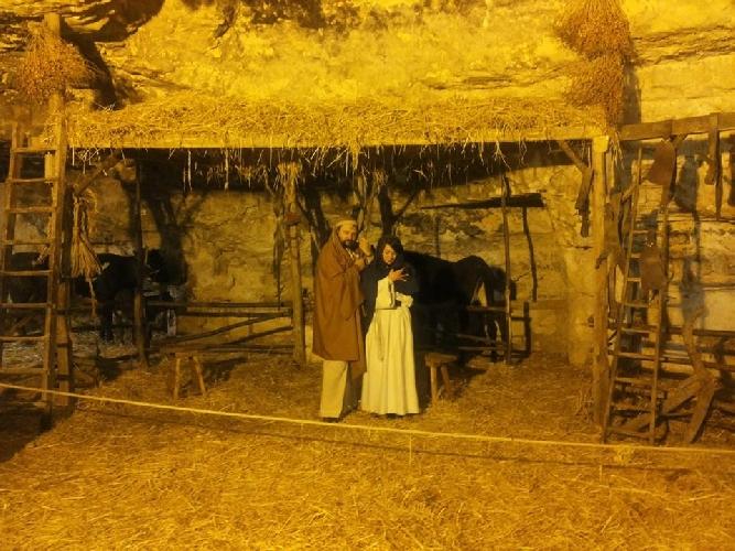 http://www.ragusanews.com//immagini_articoli/27-12-2014/7-mila-visitatori-al-presepe-vivente-di-ispica-500.jpg