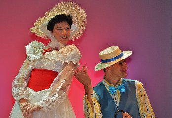 http://www.ragusanews.com//immagini_articoli/27-12-2017/modica-teatro-garibaldi-musical-mary-poppins-240.jpg