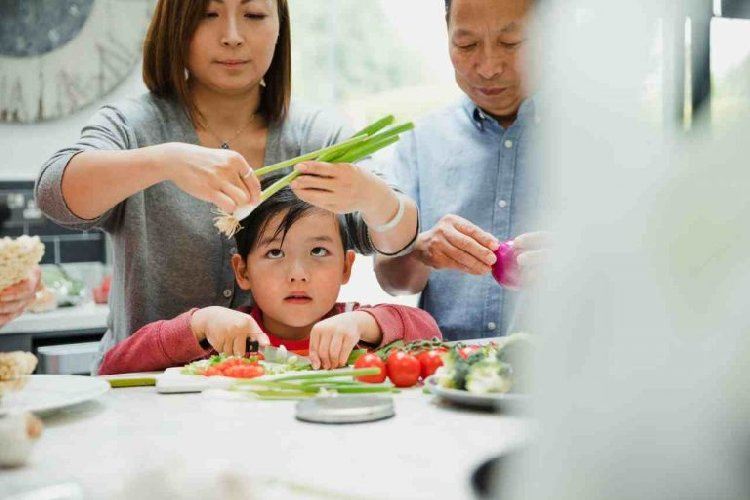 https://www.ragusanews.com//immagini_articoli/27-12-2019/dieta-perche-i-cinesi-cono-piu-magri-di-noi-500.jpg
