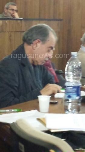 http://www.ragusanews.com//immagini_articoli/28-01-2014/il-sindaco-di-scicli-ha-assegnato-le-deleghe-500.jpg