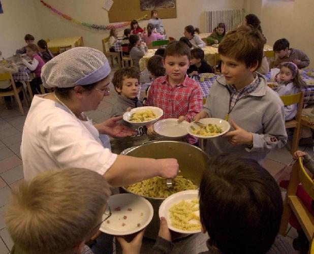 https://www.ragusanews.com//immagini_articoli/28-01-2014/mensa-scolastica-i-dubbi-dei-grillini-di-comiso-500.jpg