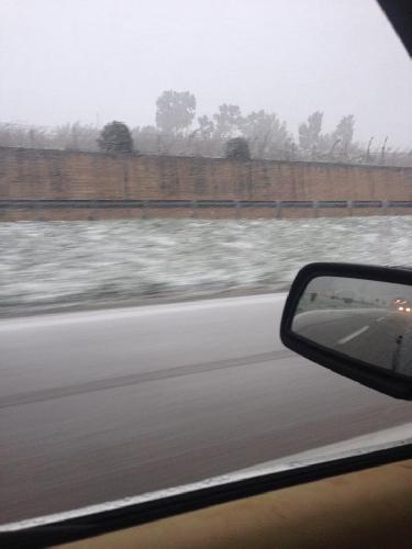 http://www.ragusanews.com//immagini_articoli/28-01-2015/nevica-sulla-palermo-catania-allerta-meteo-a-ragusa-500.jpg