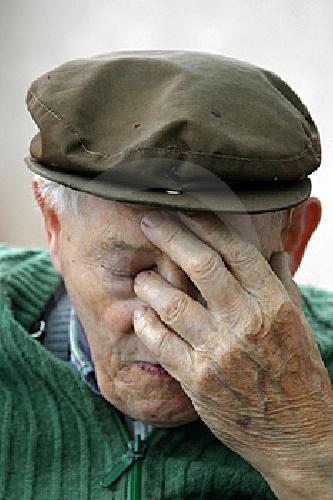 http://www.ragusanews.com//immagini_articoli/28-01-2016/si-suicida-un-anziano-500.jpg
