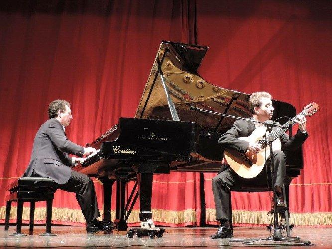 https://www.ragusanews.com//immagini_articoli/28-01-2018/musica-andalusa-ieri-sera-ragusa-500.jpg