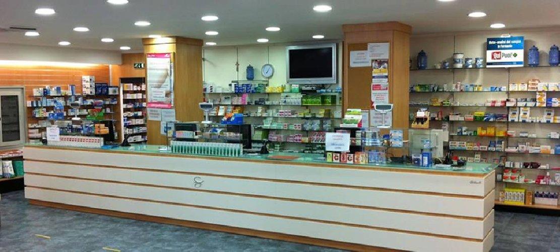 https://www.ragusanews.com//immagini_articoli/28-01-2019/furto-danni-farmacia-amore-modica-500.jpg
