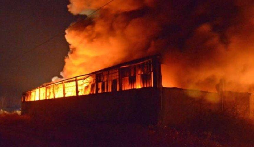 https://www.ragusanews.com//immagini_articoli/28-01-2019/vittoria-incendio-capannone-rinascita-500.jpg
