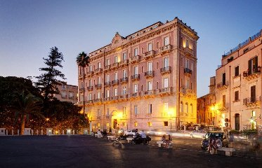 https://www.ragusanews.com//immagini_articoli/28-01-2020/il-des-etrangers-a-essere-albergo-di-lusso-240.jpg