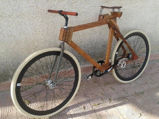 https://www.ragusanews.com//immagini_articoli/28-02-2016/l-uomo-che-costruiva-biciclette-di-legno-500.jpg