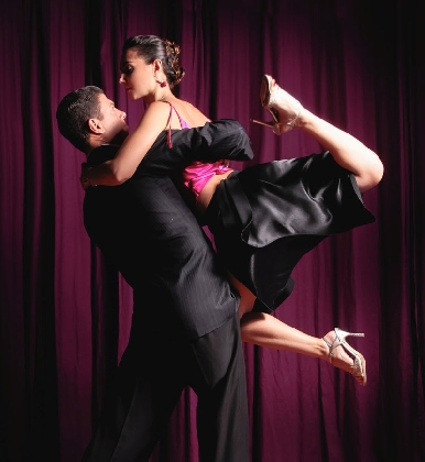 https://www.ragusanews.com//immagini_articoli/28-02-2017/tango-vida-teatro-garibaldi-420.jpg