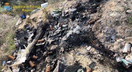 https://www.ragusanews.com//immagini_articoli/28-02-2020/rifiuti-speciali-sequestrata-una-discarica-abusiva-a-vittoria-240.jpg