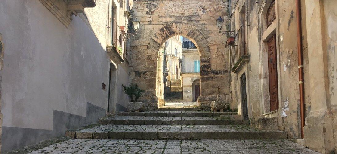 https://www.ragusanews.com//immagini_articoli/28-03-2018/turismo-accessibile-progetto-scuola-alberghiera-chiaramonte-500.jpg