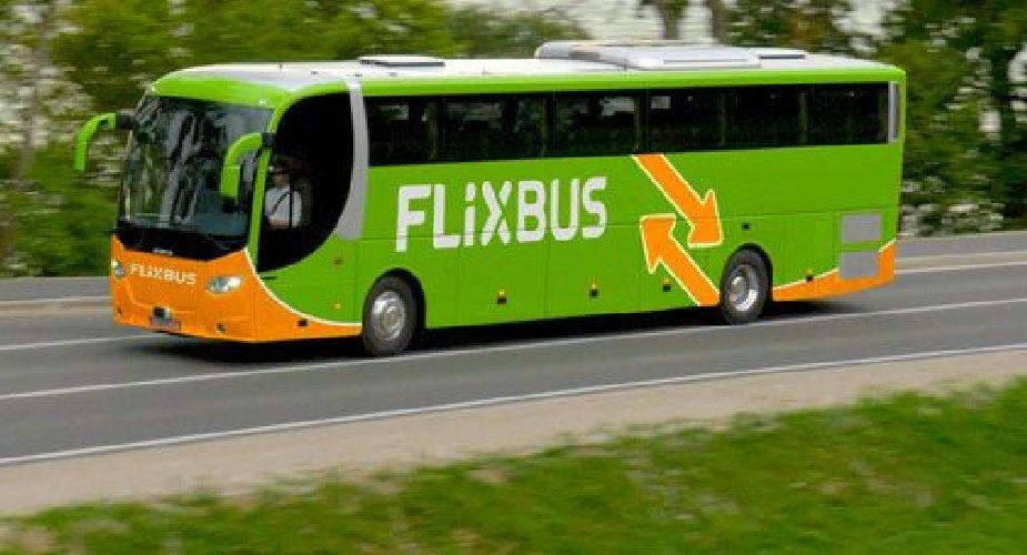 https://www.ragusanews.com//immagini_articoli/28-03-2019/flixbus-arriva-a-pozzallo-e-ispica-500.jpg
