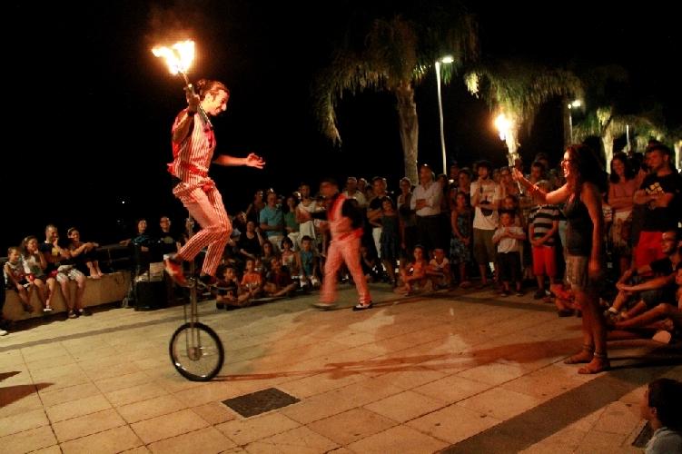 http://www.ragusanews.com//immagini_articoli/28-04-2014/mazzarelli-art-festival-dall1-al-3-agosto-500.jpg