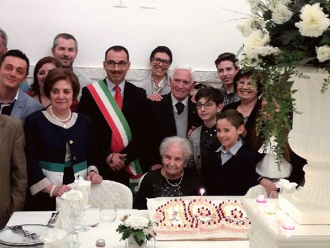 http://www.ragusanews.com//immagini_articoli/28-04-2017/vittoria-anni-carmela-blanco-500.jpg