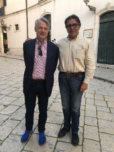 https://www.ragusanews.com//immagini_articoli/28-04-2018/ferruccio-bortoli-scarpe-trendy-mormina-penna-500.jpg